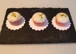 Mini Muffins mit weisser Schokolade Serviervorschlag